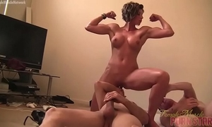 Female muscle porn star female-dominant amazon is masturbating