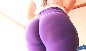 Best-ass-ever! in taut spandex! biggest arse latin babe & cameltoe!