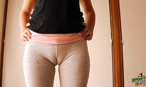 Big cameltoe legal age teenager in yoga panties, stretching and working out!