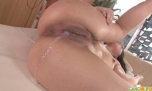 Chinatsu gives oral-service and copulates in group sex